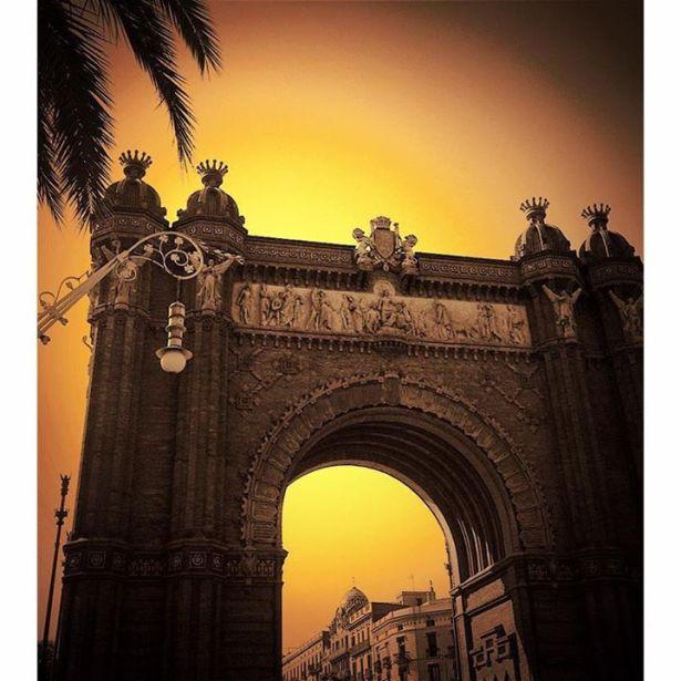 Arc de Triomf - 21 Senses Magazine - Agustín Kong