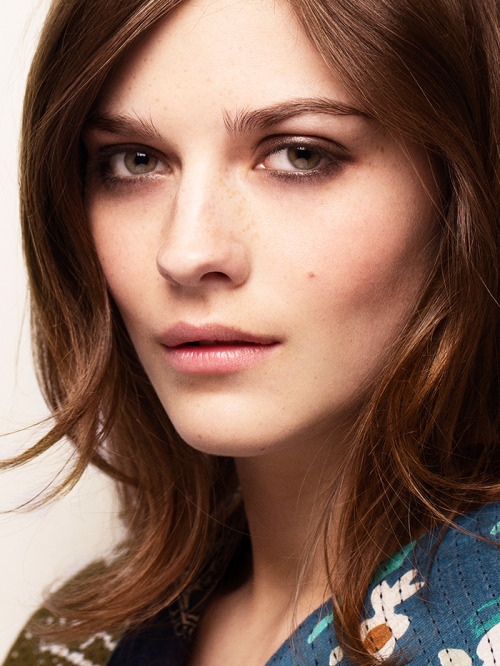 Tendencias-maquillaje-otoño-2015-eyebrows-Burberry-21-Senses